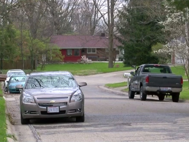 Pd oxford neighborhoods see increase in auto break ins wcpo motion lights and security cameras can deter thieves aloadofball Images