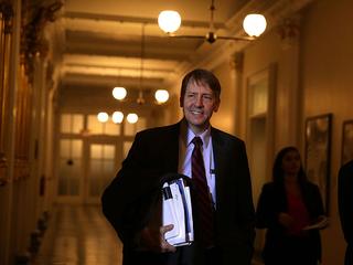 Dems gubernatorial field complicates strategies