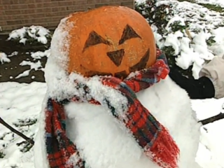 Vault: Snowstorm surprises Cincy for Halloween