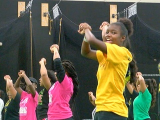 Walnut Hills cheer squad to compete at nationals