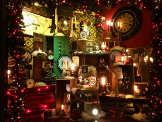 The last window: Holiday displays down to one