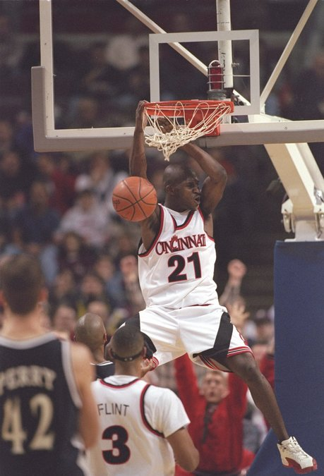 buy popular 2c9f5 e7ed8 Sports Vault: The 'Helicopter' made his mark on UC hoops