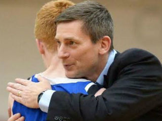 Dyer: CovCath coach and his son thrive on court