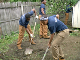 Teenagers repair Covington veteran's home