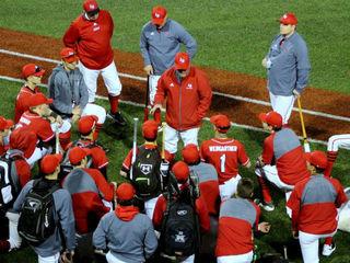 La Salle baseball coach decides to retire