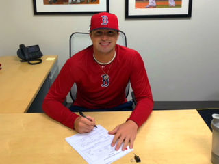 2018 Mason grad signs with the Red Sox