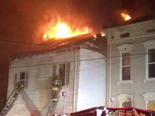 Fire destroys Newport building