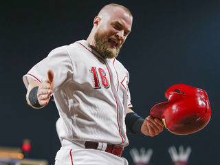 Tucker Barnhart gets big hit in a pinch for Reds