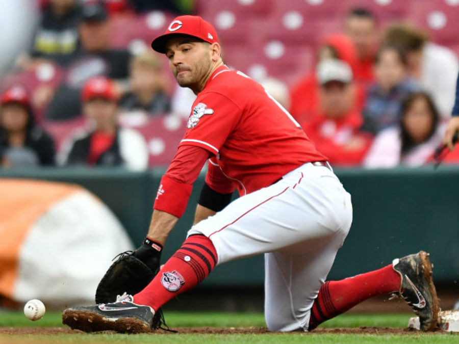 Wcpo_joey_votto_digs_out_throw_090918_1536543618666_96994824_ver1.0_900_675