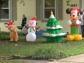 Police catch grinches who damaged decorations