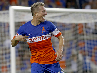 FC Cincy goes 'crazy' after clinching conference