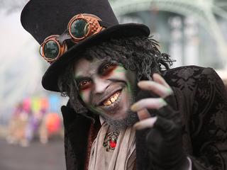 Halloween Haunt spooks up Kings Island
