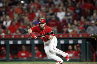 Barnhart saves best game for one of Reds' worst