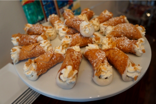 New Covington bakery specializes in cannoli