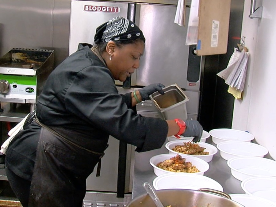 Meet the personal chef who provides the 'fuel' for some Cincinnati Bengals p...